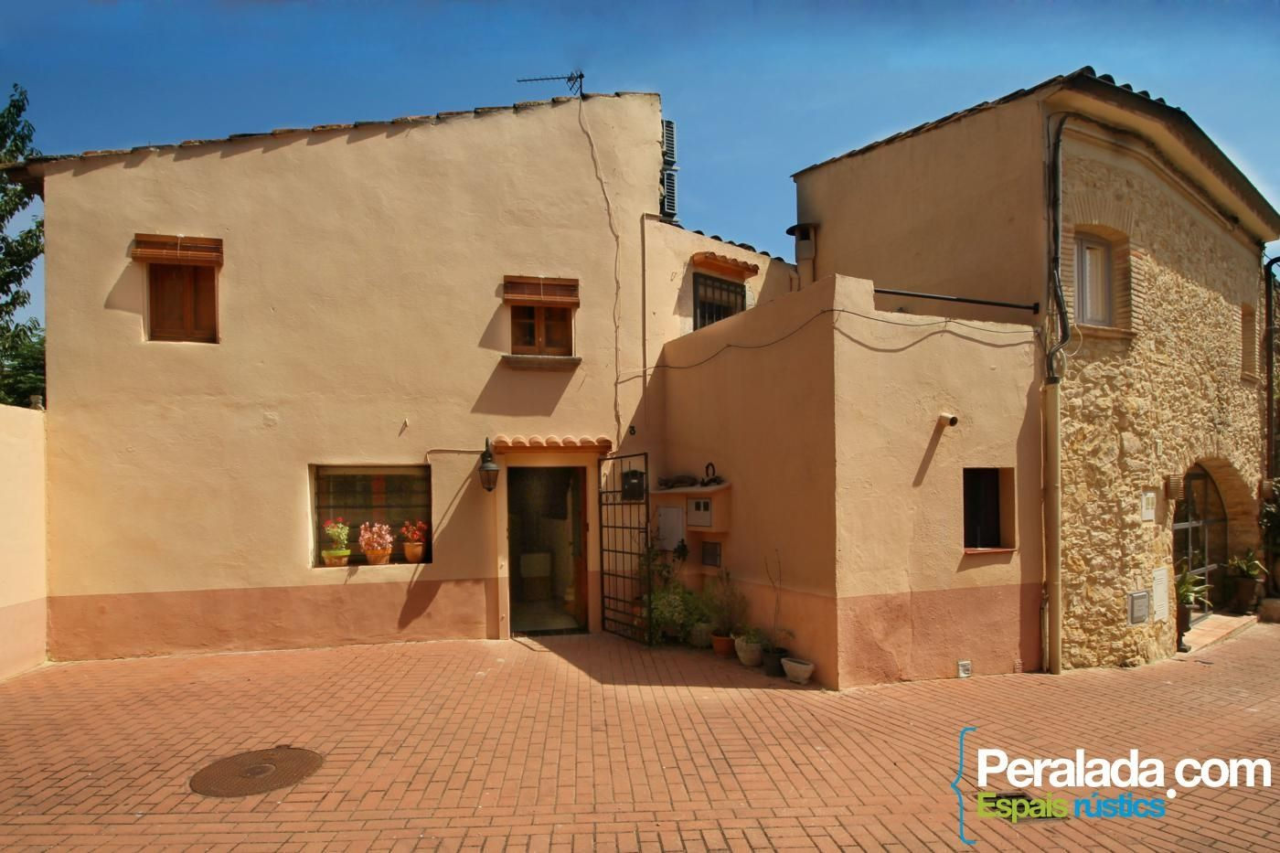 Alquiler Casa  Carrer trull. Acogedor,agradable, confortable.