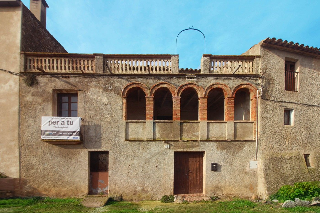 Casa  Carrer oratori. A restaurar muchas posibilidades