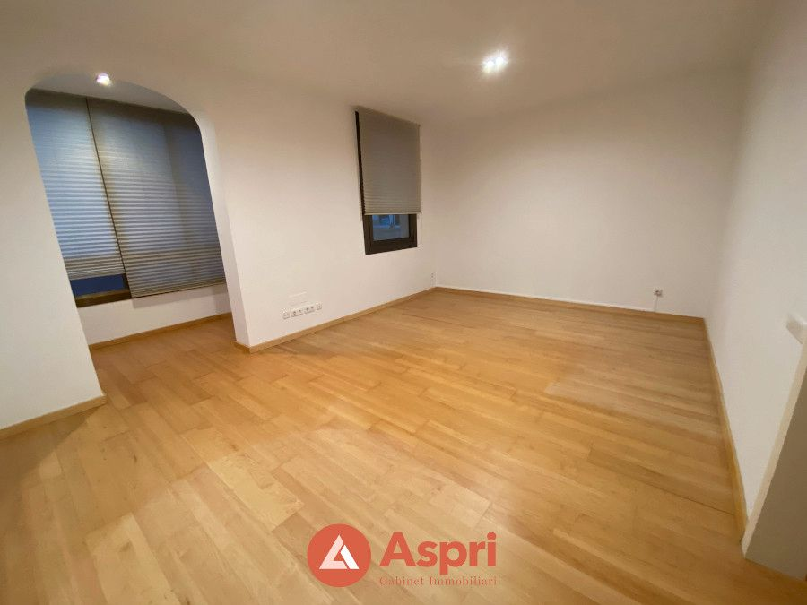Rent Apartment in Carrer napols, 258. Sin amueblar en sagrada familia