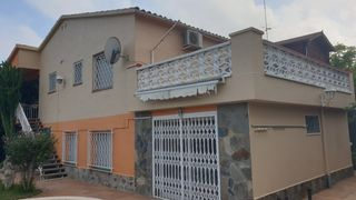 Chalet in Carrer Ticia