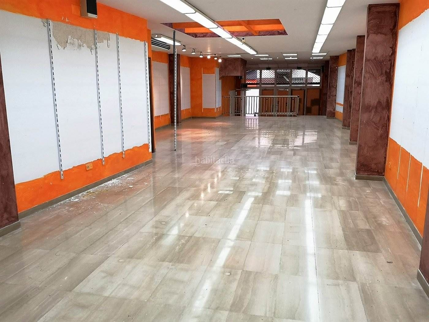 Lloguer Local Comercial en Centre. Alquiler local en igualada zona centro 240m2!!