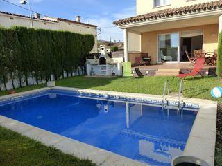 Casa pareada Carrer Garbi. Villa 3 dorm. piscina privada