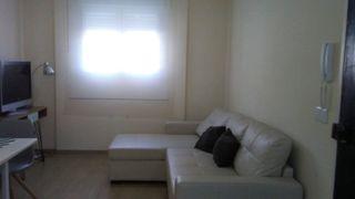 Rent Apartment en La Constitución-Canaleta. Amplio apartamento en mislata