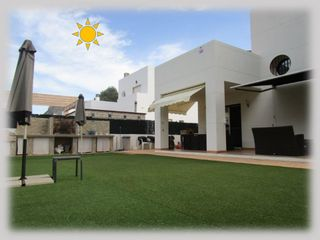 Chalet in Calle umbria, 1. Moderno y funcional!