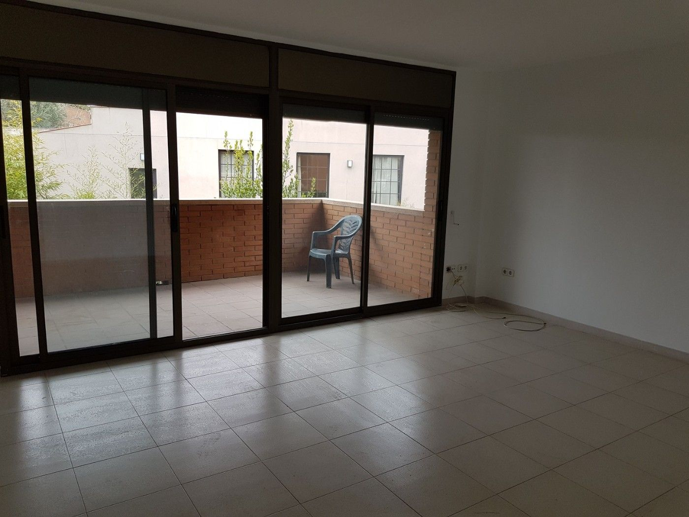 Rent Flat in Carrer victor catala, 2. Piso junto fgc vollpalleres