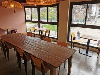 Pas-de-porte Bar dans Poblenou. Cafetería con terraza visítela!