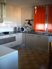 Chalet  Can villalba. Casa con jardín y garaje