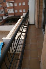 Rent Apartment  Carrer tinent coronel sagues. Pis bonic i tranquil