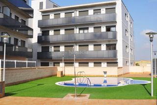 Location Appartement à Alcarràs. Piso 2 habitaciones con parking
