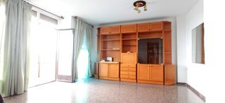 Location Appartement  Carrer bellsola. Amplio piso ascensor sabadell