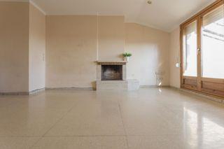 Duplex dans Manlleu. Con 3 habitaciones y terraza