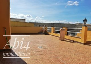 Location Appartement à Carrer aurora, 38. Piso en binissalem con 4 hab.
