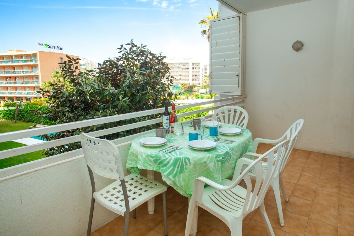 Rent Apartment in Carrer joaquim mir, 10
