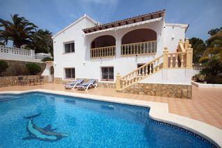 Chalet Moravit-Cap Blanc. Villa inmaculada con piscina privada
