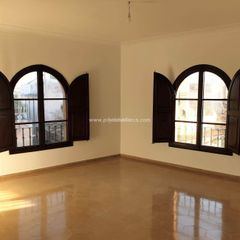 Rent Office space in El Sindicat. Oficina con ascensor