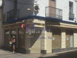 Rent Business premise in L´Ametlla de Mar. Alquiler de local comercial en el centro de la po