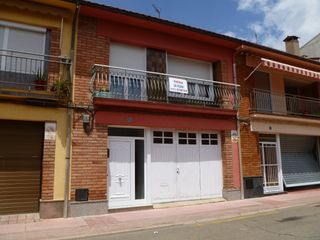 Semi detached house in Carrer sogorb, 27 casa