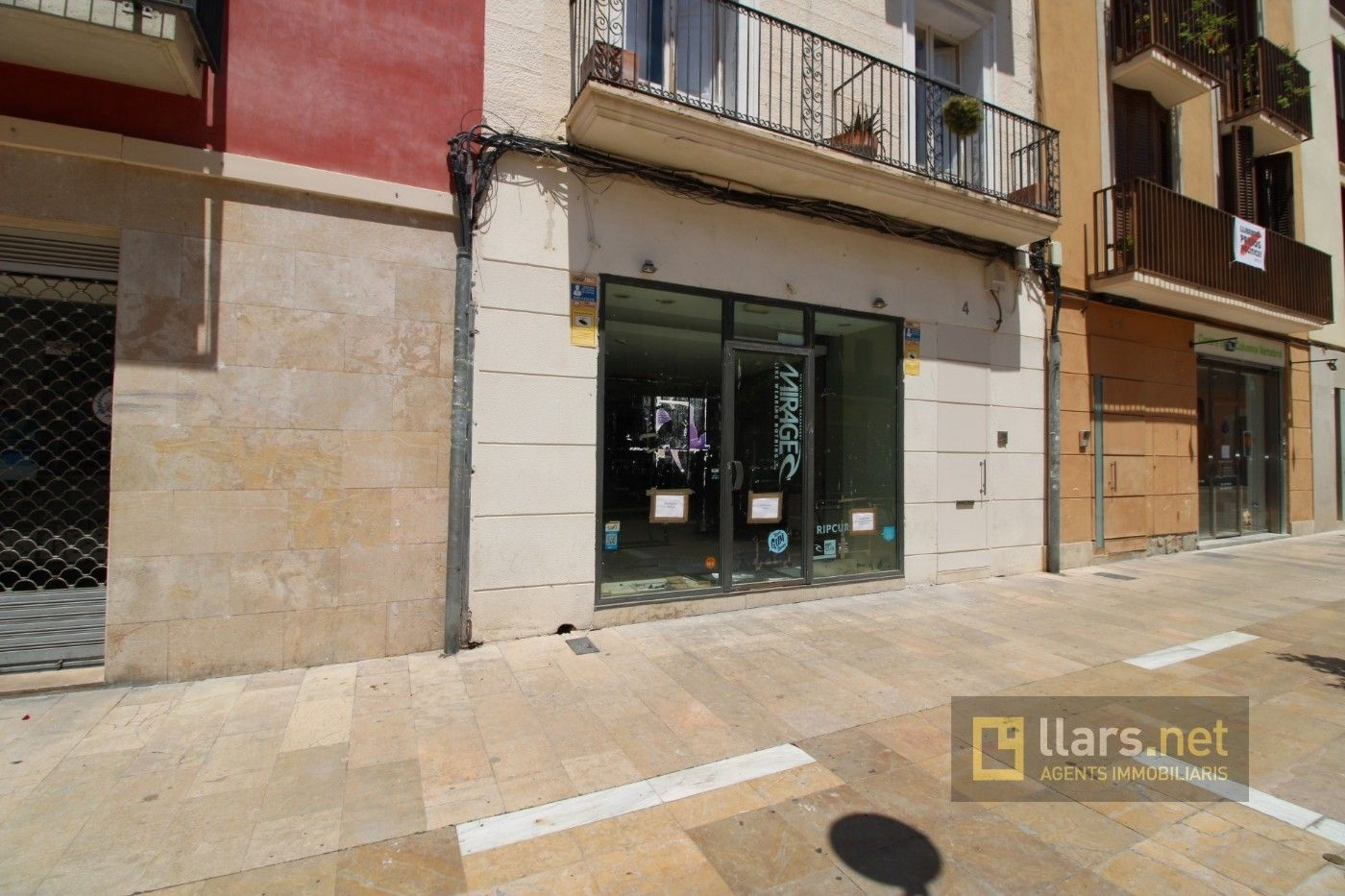 Local Comercial en Cols, 4. En pleno centro