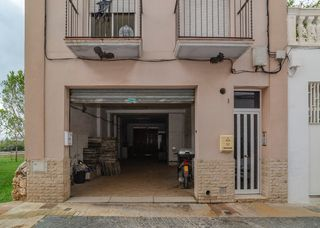 Alquiler Local Comercial en Carrer madriguera, 1. Local en la bovila