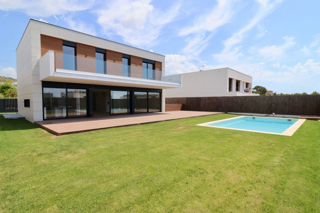 House in Carrer jacint picas i cardo (de), 5. Exclusiva casa de diseño