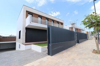 Haus in Carrer jacint picas i cardo (de), 5. Exclusiva casa de diseño