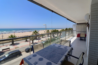 Flat in Passeig mar mediterrania, 66. Fantastico piso 1ra linea de mar