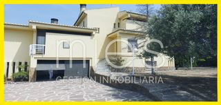 Chalet in Calle primado reig, 1. Excelente  vedat* sta apolonia.-
