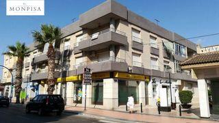 Appartamento en Los Alcázares. Piso de 120 m2 con 4 hab con garaje includio en el precio