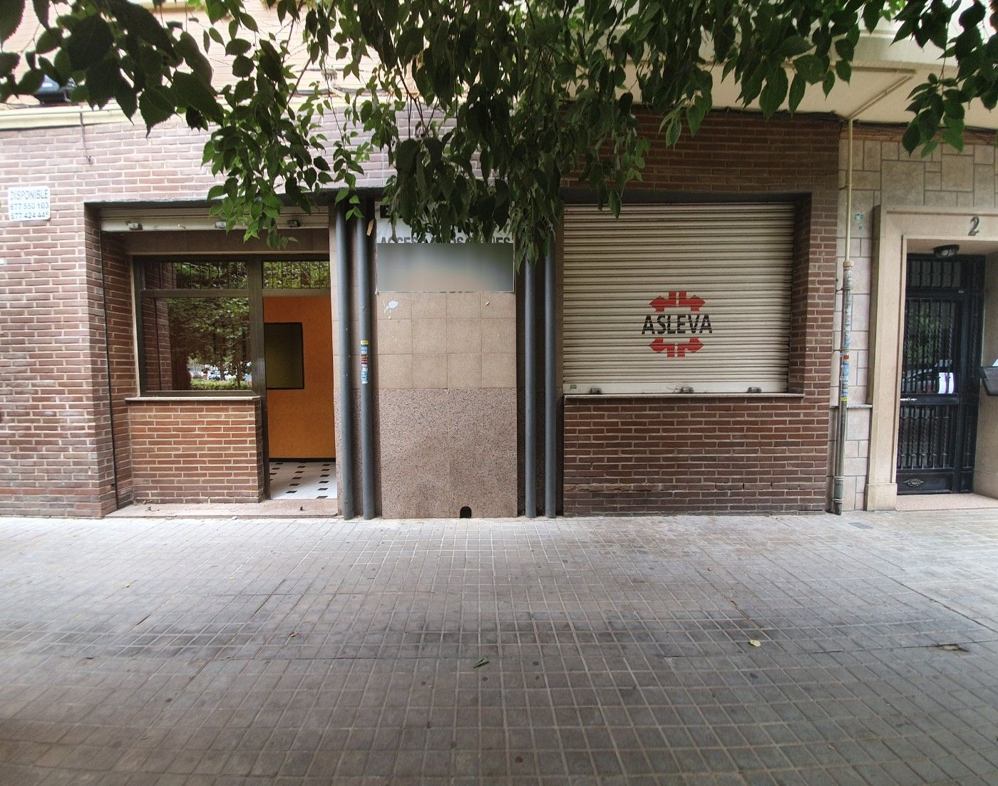 Local Comercial  Calle ebanista caselles. Oportunidad local