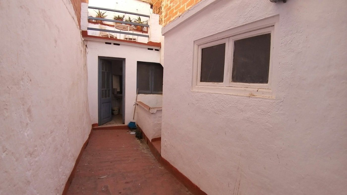 Rent House  Carrer mar. Casa unifamiliar de pueblo
