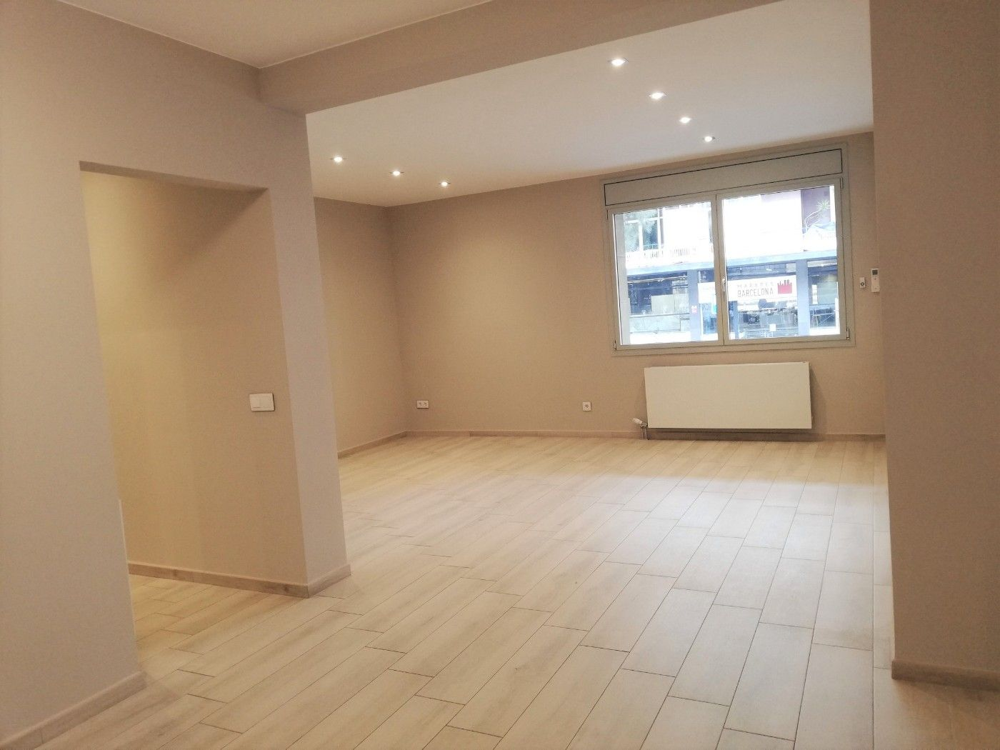 Location Appartement  Via augusta. Piso en barrio galvany de 4 hab