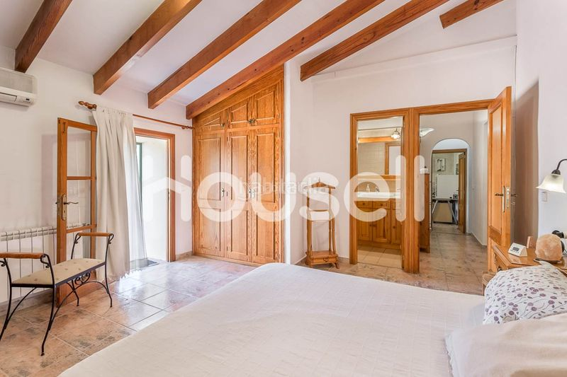 DCIM-30. House with parking pool in Consell
