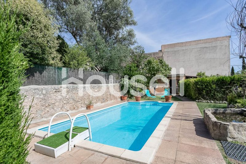 DCIM-8. House with parking pool in Consell