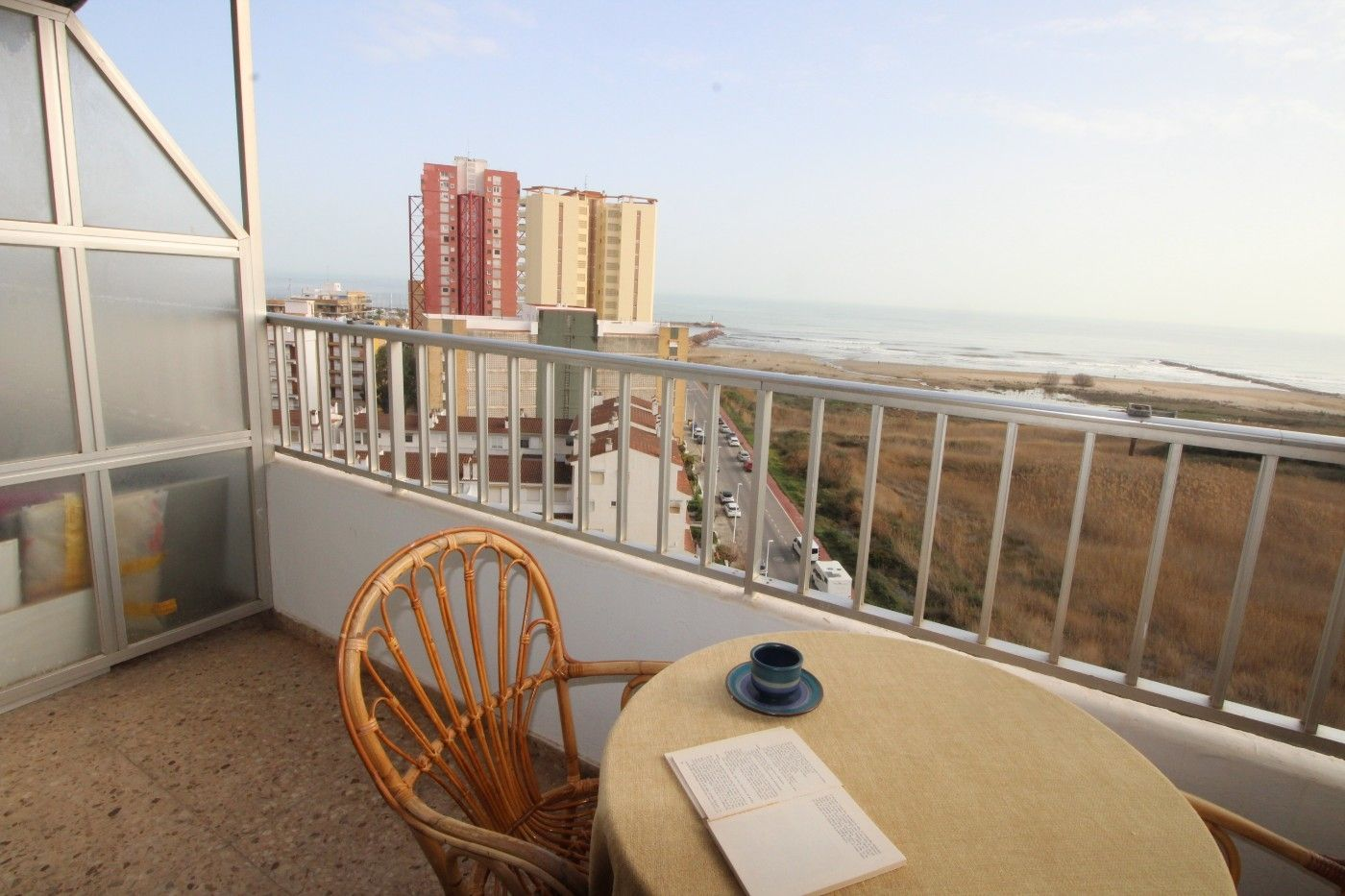 Appartement in Calle cantarrana, 1 bl. a 9º 18ª. Irresistible vistas al mar medit