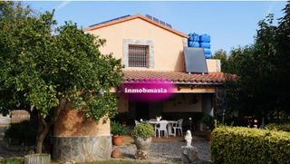 Country house in Partida serra (la), s/n. Preciosa masia en valls