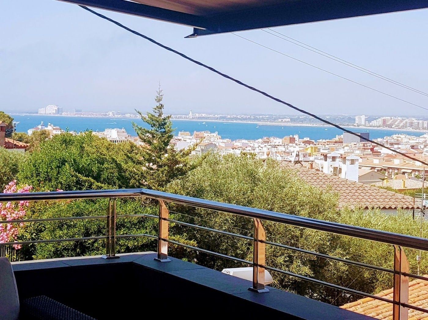 House  Carrer pericles (de). Impresionantes vistas al mar