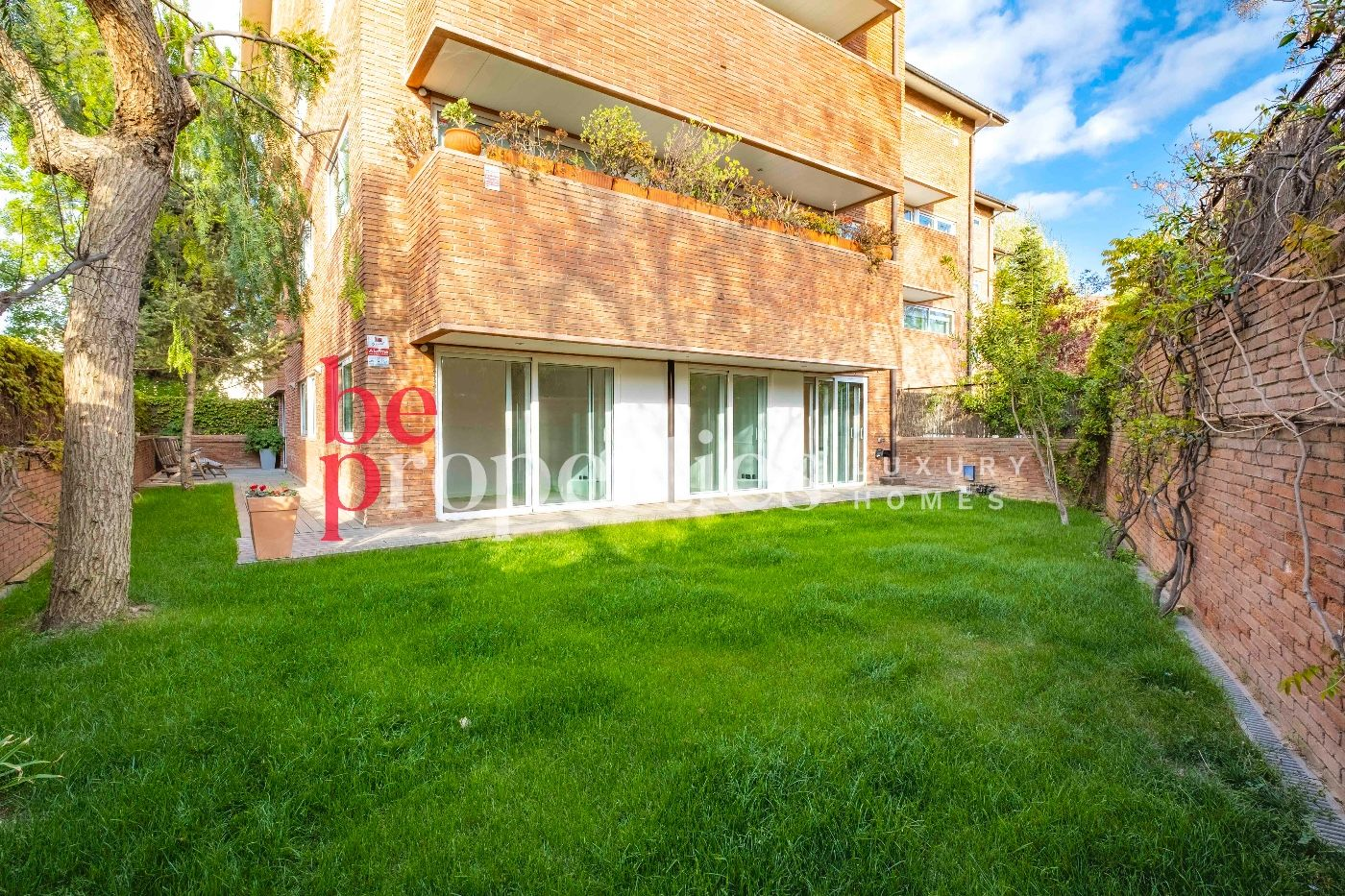 Rent Ground floor in Carretera vallvidrera, 75. Planta baja con jardín y terraza