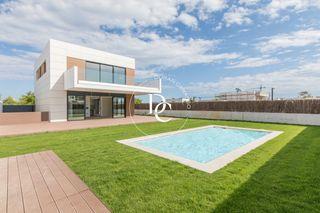 Casa en Els Molins-Poble Sec. Dream house la plana sitges