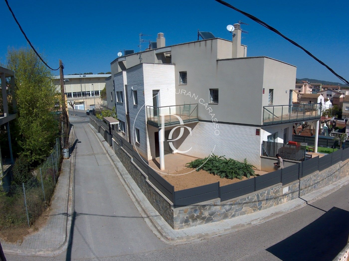 Casa  Carrer albert einstein. Oportunidad en centro collada