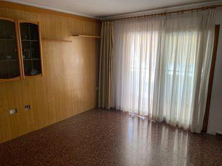Apartamento  Avinguda isidor macabich. Central de san .antonio