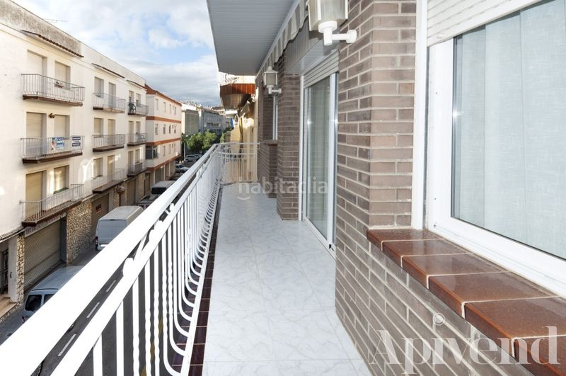Terraza grande. Apartment with heating in Centre Roses