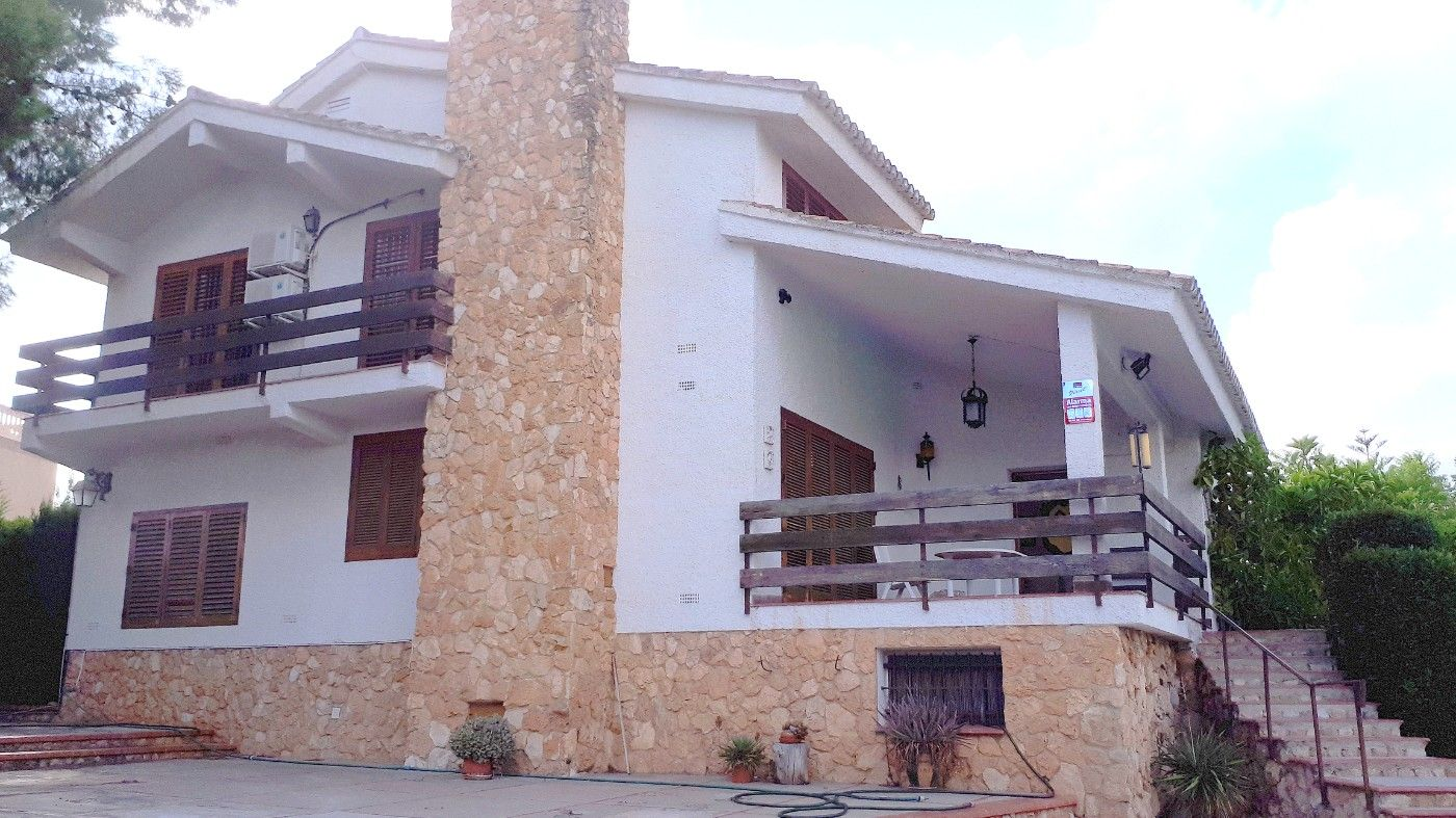 Chalet  Calle doctor bartual. Chalet santo domingo de torrent!
