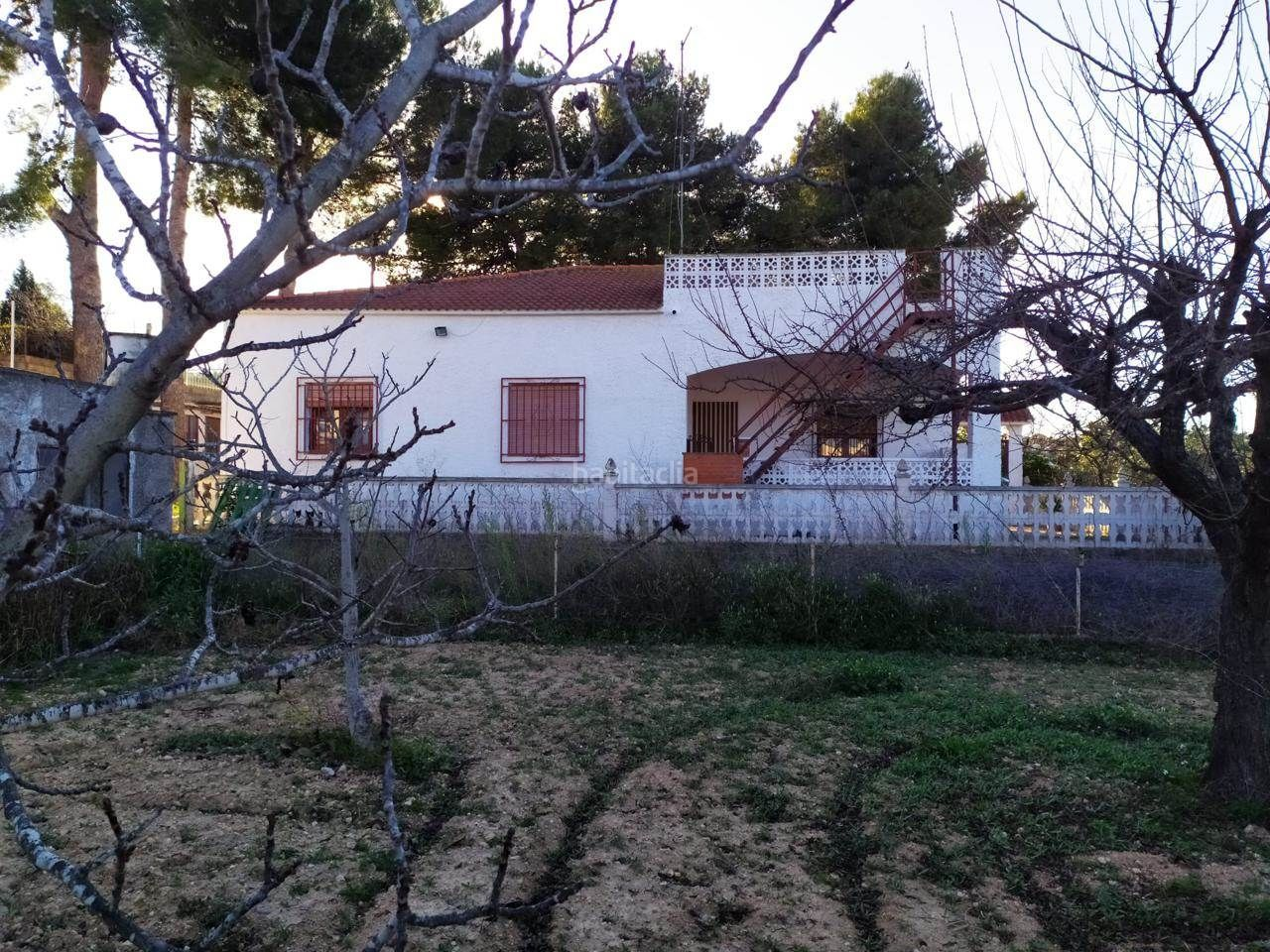 Haus in Monserrat. Chalet independiente en montserrat