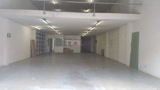 Location Local commercial  Carrer josep maria de sagarra. Posibilidad de alquiler parcial