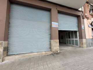 Lloguer Local Comercial en Carrer arago, 14. Parking o almacén