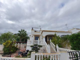 Rent Semi detached house  Calle gustavo adolfo becquer