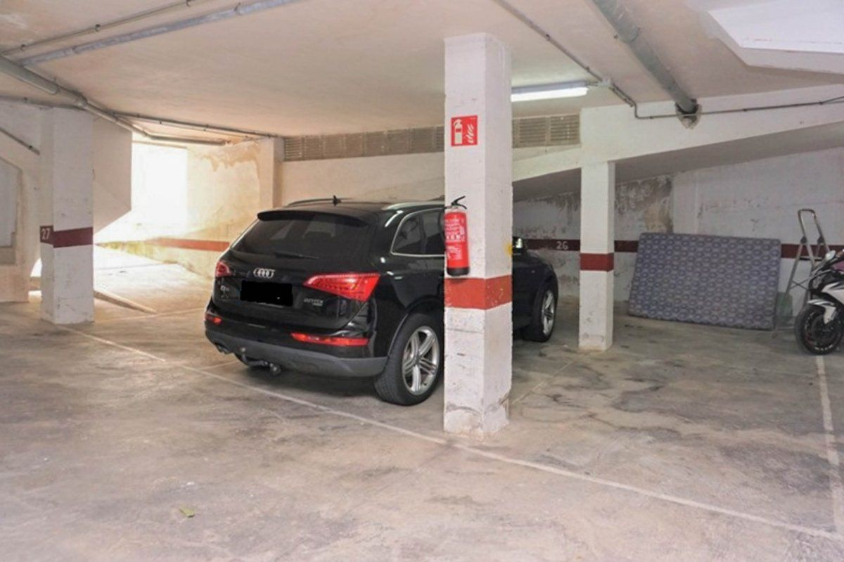 Car parking in Capdepera. Parking para 1 coche en cala ratjada