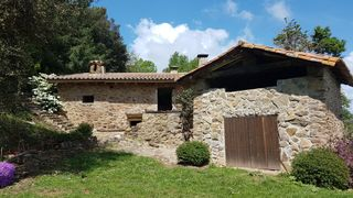 Country house in Amer. Masia  semi rehabilitada