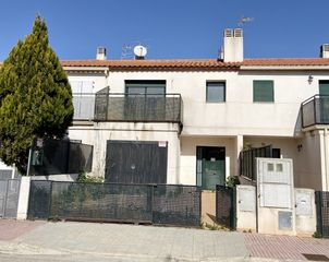 Semi detached house  Avenida mediterranea. Casa financiada 100% negociable