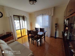 Appartement dans Carrer vint-i-un, 43. Piso 4 habitaciones en bonavista